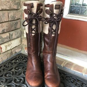 UGG Elsa style boot size 6